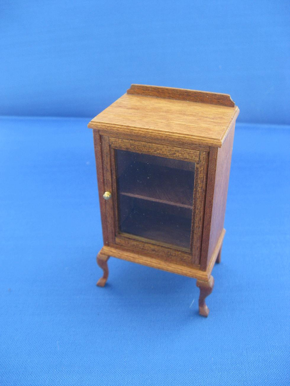 Small cabinet for