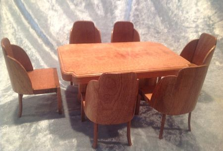 273. 1930s Cloudback Dining Table