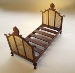 275. Victorian Double Bed (mesh boards)